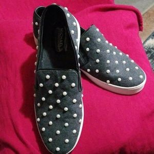 MICHAEL KORS BOAT TENNIS SHOES WITH PEARLS 11M